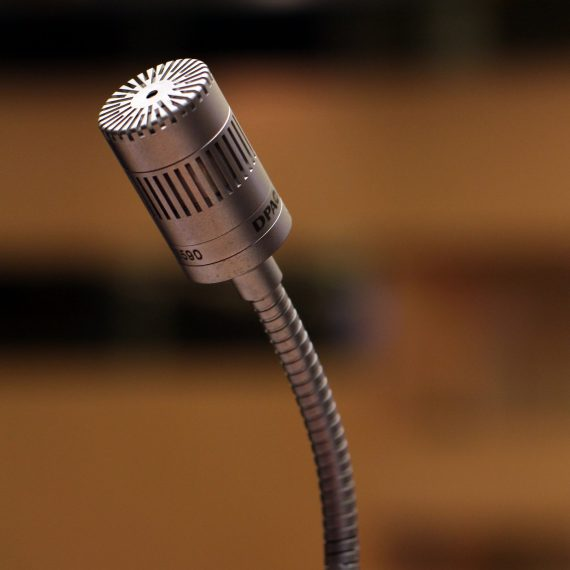 microphone-2316268_1920