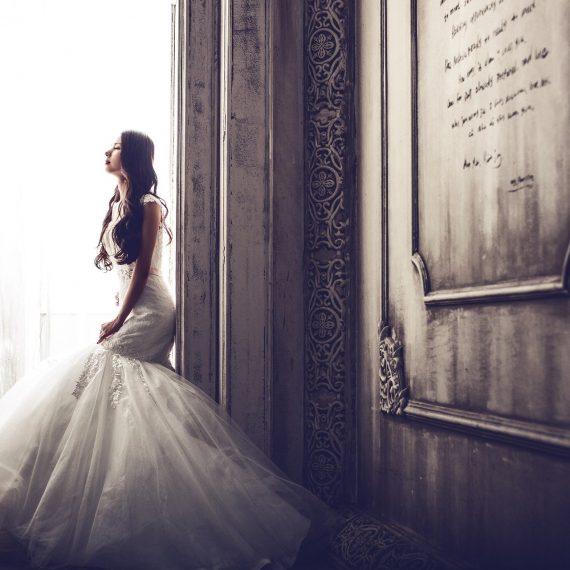 wedding-dresses-1486005_1920