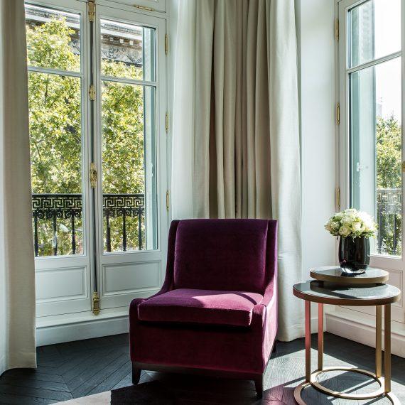 Prestige Suite 409 salon detail fauteuil vue1